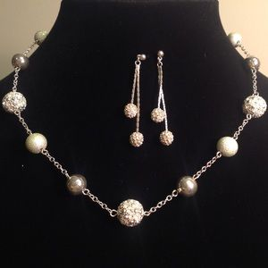 Jewelry - VINTAGE NECKLACE AND EARRINGS WITH RHINESTONES
